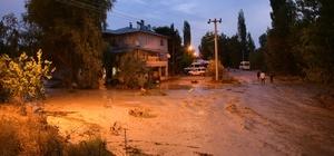 Elbistan'da sağanak etkili oldu, 2 mahallede yağış sele dönüştü