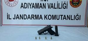 Şüpheli araçta tabanca ele geçirildi