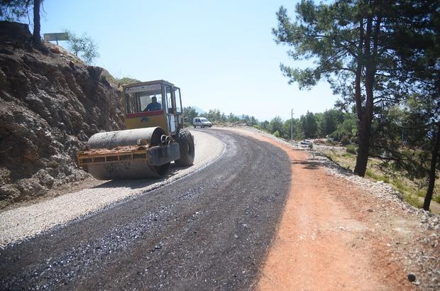 Alanya Belediyesi'nin asfalt çalışmaları Bektaş'ta sürüyor