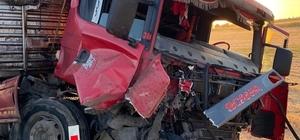 Kahramanmaraş'ta traktör ile tır çarpıştı: 3 yaralı