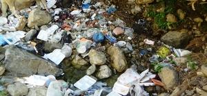 Batman'da doğa harikası mesire alanı, piknikçilerin çöpleriyle doldu