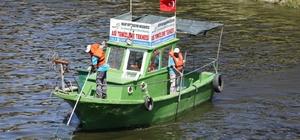 Asi Nehri'ndeki katı atık ve su sümbülleri temizleniyor