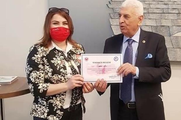 """Eskişehir'i Türkiye'de temsil eden tek kadın muhtar Şeker Mahallesi Muhtarı Canan Arı: """"Kalkınmayı başarabilen ülkeler için kadınların önemi büyük"""""""
