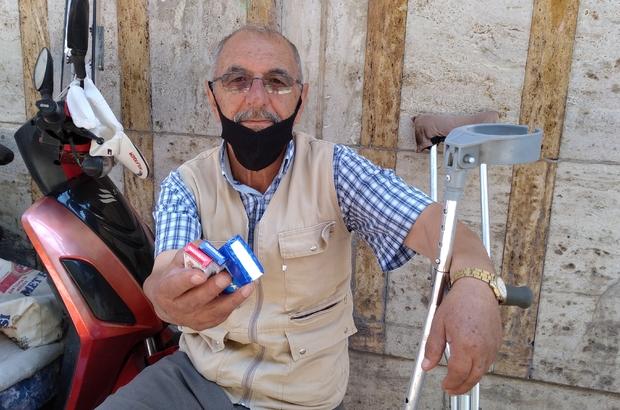 Bacağı olmamasına rağmen alın teriyle helal para kazanıyor Tartıcılık yaparak ve mendil satarak geçimini sağlıyor Bacağını kaybetti mücadeleyi sürdürdü