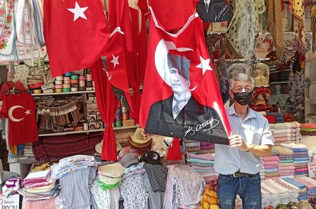 30 Ağustos Zafer Bayramı'nda bayrak satışları arttı Türk bayrağı satışları yüzde 65 arttı