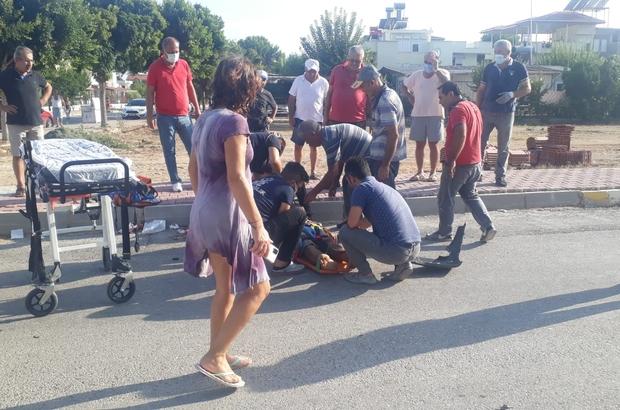 Vip tur minibüsü önce motosiklete, ardından park halindeki kamyonete çarptı Kazada motosiklet sürücüsü ağır yaralandı