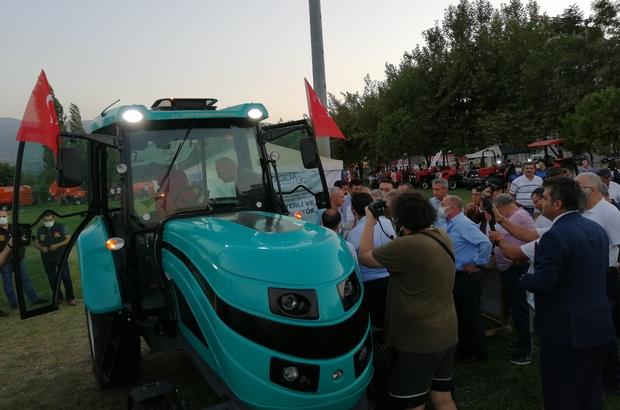 Yerli ve milli elektrikli traktör Manisa'da görücüye çıktı Salihli'de festival zamanı