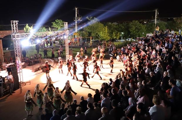 Turgutlu'da Türk Halk Müziği ve halk oyunları gösterileri mest etti