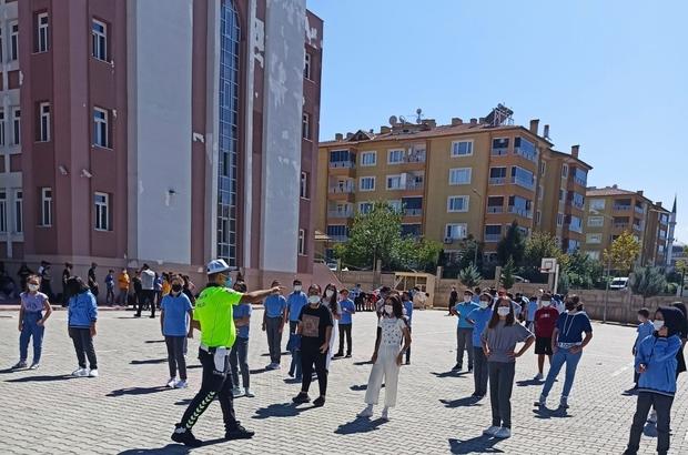 Malatya'da öğrencilere trafik eğitimi verildi