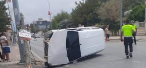 Telefon direğine çarpan otomobilin sürücüsü yaralandı