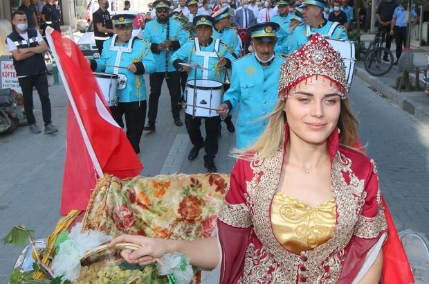 Saruhanlı'da 14. Altın Üzüm ve Kültür Festivali başladı Peron 5 konseri büyük ilgi gördü