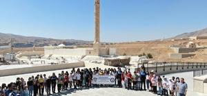 Türkiye'nin farklı kentlerinden gelen 45 öğrenci, Hasankeyf'le bütünleşti