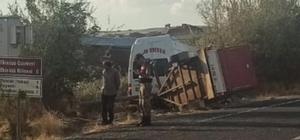 Elazığ'da otomobil ile minibüs çarpıştı: 2 yaralı
