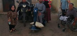 Bingöl'de engelli gence 3 tekerlekli elektrikli scooter hediye edildi