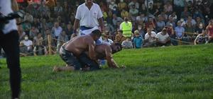 Biga Yağlı Güreşlerinin Başpehlivanı İsmail Balaban oldu