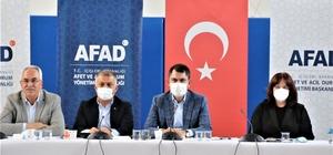 """Bakan Kurum:"""" Muğla ve Manavgat'ta bin 100 binanın yıkım çalışmasını tamamladık"""" Çevre ve Şehircilik Bakanı Murat Kurum Manavgat'ta AFAD toplantısına katıldı """"Söz verdiğimiz gibi 1 yıl içerisinde binalarımızı tamamlamayı hedefliyoruz"""" """"Nesli tehdit altındaki 52 türe yönelik de tohum ve toplama çalışması devam ediyor"""" """"İçme suyu için """"50 milyon TL finans desteğini sağladık"""" """"Gerek 2+1 gerekse 3+1 yanında ahırı ve deposu ile örnek çalışmamızı yaptık"""""""