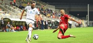 Denizlispor öne geçtiği maçta 3 puanı bıraktı Horoz 90'da yıkıldı Denizlispor 10 kişi kalan rakibine yenildi TFF 1. Lig: Altınordu: 2 - Denizlispor: 1