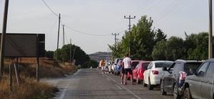 """Bozcaada'da tatilcilere feribot işkencesi, 6 saat beklediler """"Bin 400 kilometreyi 14 saatte geldik, 6 saatte daha 2 kilometre kıpırdayamadım"""""""