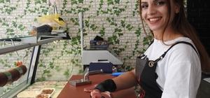 """Kasaplar Çarşısı'nın tek kadın çalışanı: """"Kasap kız"""" hayaline kavuştu Kasap kızın hayali gerçek oldu"""