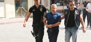 """Kaçırılan iş adamı 14 gündür kayıp Adana'da daha önce 70 milyon liralık mal varlığının satışı için vekalet verdiği kişiler tarafından kaçırıldığı ileri sürülen iş adamı Koray Sarısaçlı'dan 14 gündür haber alınamıyor İş adamı Koray Sarısaçlı'nın kız kardeşi Feray Sarısaçlı tek isteklerinin ağabeyinin bulunması olduğunu söyledi Sarısaçlı: """"Hedef şaşırtma çalışması ağrımıza gidiyor. Son olaydaki şahıslarla ağabeyim başka vakalarda yaşamış"""" İş adamını kaçırdığı ileri sürülen şüphelilerden ikisi tutuklandı, diğeri tutuksuz yargılanmak üzere serbest bırakıldı"""