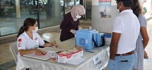 Seyahat edemeyenler otogarda aşısını olup yola devam ediyor 2. doz aşısını olmadığı için yola çıkamayanların imdadına il sağlık müdürlüğü ekipleri yetişti
