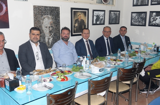 Başkan Akın'dan Turgutluspor'a moral yemeği
