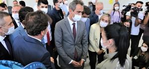 """Bakan Özer'den İHA üretim üssü müjdesi Milli Eğitim Bakanı Mahmut Özer: """"İHA ile ilgili Türkiye'nin ARGE merkezini kurma kararı aldık"""" """"2.5 milyon TL yatırım yapacağız"""""""