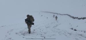 Jandarma timleri Karadeniz'de teröre geçit vermiyor Kış ayları öncesinde hız kazanan operasyonlarda bölgede adeta kuş uçurtulmuyor