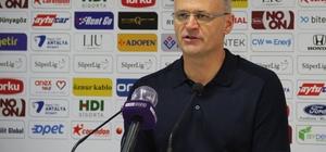 """Buz: """"Maçın hakkı bu değildi"""" Yeni Malatyaspor Teknik Direktörü İrfan Buz: """"Farklı bir galibiyet alabilirdik, net gol pozisyonları bizdeydi"""" """"Üzgünüz, maçın hakkı bu değildi"""""""