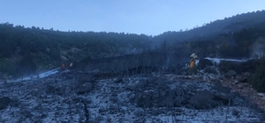 Burdur Bucak'taki orman yangını kısmen kontrol altında Dağlık alanda çıkan yangına havadan karadan müdahale ediliyor