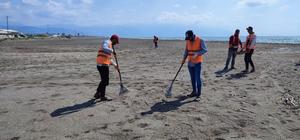 Samandağ sahilinde petrol temizliği 26 gündür sürüyor