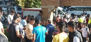 Lise öğrencileri arasında sopalı kavga: 1 yaralı