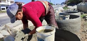 Tandırlar, kadınların çamurlu ellerinde şekilleniyor Gastronomi şehri Hatay'da kadınlar killi topraktan ürettikleri tandırlarla aile bütçelerine katkı sağlıyor