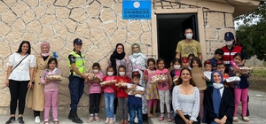 Şehit eşi ve gençlerden köy okulu öğrencilerine yardım