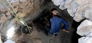 Kadim medeniyetlerin izini taşıyan tarihi kale gösterime hazırlanıyor Kazıların başladığı Eski Kahta Kalesi turizme kazandırılacak İki etap restorasyon çalışması yapılan Eski Kahta Kalesi'ndeki eski çarşıda kazı ve temizleme çalışmaları başladı