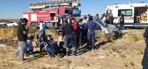 Taziyeye giden aile kaza yaptı: 1 ölü, 4 yaralı Hafif ticari araç ile otomobil çarpıştı