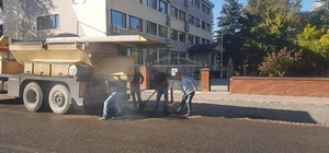 Gölbaşı Belediyesi asfaltlama çalışmalarını sürdürüyor