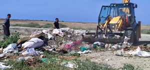 """""""Milleyha"""" çöp ve molozlardan temizleniyor Hatay'da 287 kuş türüne ev sahipliği yapan Milleyha Sulak Alanı etrafına dökülen moloz ve çöpler belediye ekiplerince kaldırıldı"""