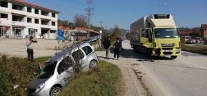 Hafif ticari araç sulama kanalına girdi 3 kişi yaralandı