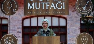 Çorum leblebisi, külliye mutfağına girdi Emine Erdoğan'dan leblebi helvasına övgü