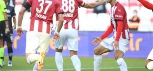 Caner Osmanpaşa ligdeki ilk golünü attı