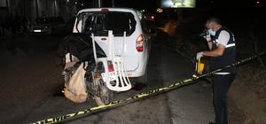 Park halindeki araca çarpan motosikletli hayatını kaybetti