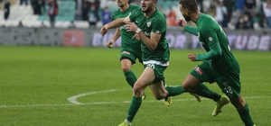 TFF 1. Lig: Bursaspor: 2 - Boluspor: 0 (İlk yarı sonucu)