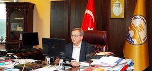 """Prof. Dr. Tabakoğlu: """"Önce insanları irşat ettiler"""" """"Diyar-ı Rum'dan Rumeli'ye Üç Gönül Eri Hacı Bektaş-ı Veli, Yunus Emre, Ahi Evran"""" paneli gerçekleştirildi"""