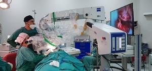 MTÜ'de koklear implantasyon operasyonu sevinci