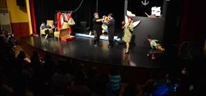 Çocuklar tiyatroya doyacak 'Kuklacı Aranıyor' oyunu yüzlerce miniği bir araya getirdi