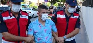 Kafasına taşla vurup, aracını gasp ettiler Yakalan 3 şüpheliden ikisi tutuklanırken, firari şüpheliyi arama çalışmaları devam ediyor