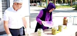 Kadın çiftçilere zeytin salamurası ve turşu yapımı eğitimi verildi