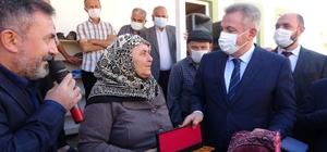 Adana'da orman yangınında yanan cami yeniden ibadete açıldı Vali Süleyman Elban, Kozan'da iki yıl üst üste yaşanan orman yangınlarında devlet millet işbirliğinde yaraları sardıklarını belirtti