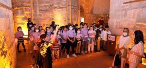 Alanyalı çocuklar, 'Yaman ve Bal' ile Kızılkule'yi keşfetti